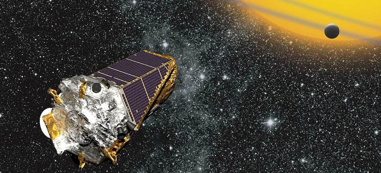 Depuis son lancement en 2009, Kepler a découvert plus d'un millier d'exoplanètes (sur les 2000 dénombrées aujourd'hui).