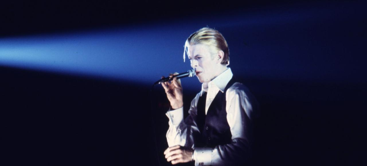 En 1976, à Los Angeles, période Thin White Duke.