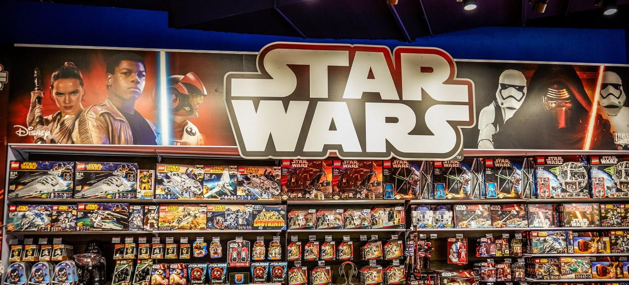 la ventes des jouets star wars a rapport cent millions d 39 euros. Black Bedroom Furniture Sets. Home Design Ideas