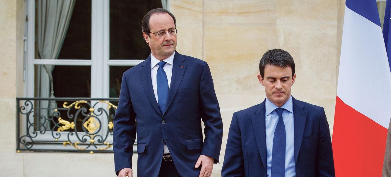 François Hollande et Manuel Valls à la sortie du premier Conseil des ministres après le remaniement du printemps 2014, le 4 avril au Palais de l'Élysée.