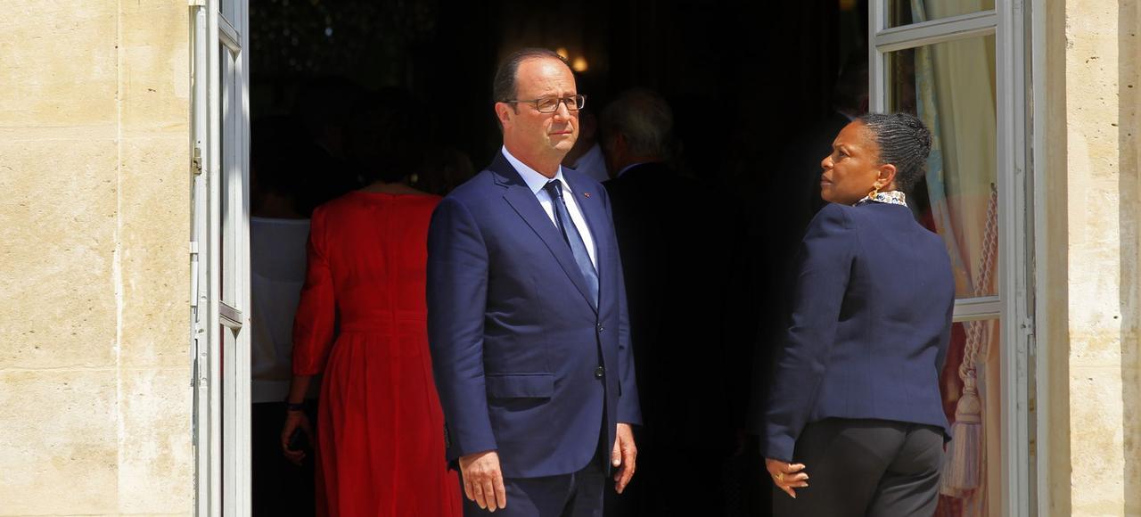 Arrivée de Christiane Taubira à l'Élysée, le 1er aout 2015, lors d'un séminaire gouvernemental présidé par François Hollande.
