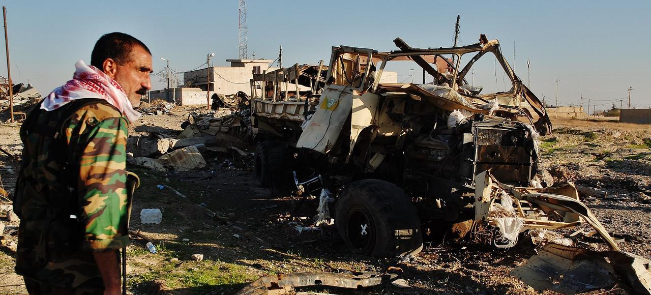 Dans la cité libérée de Sinjar, la réalité est faite de ruines, de danger toujours proche, de mines et de charniers.
