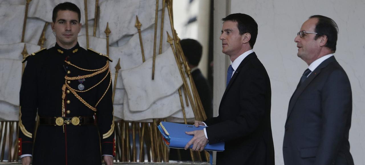 François Hollande et Manuel Valls, lors du Conseil des ministres à l'Élysée, mercredi à Paris.