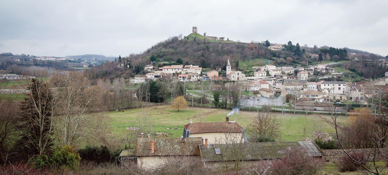 Vue du village drômois de Mercurol.
