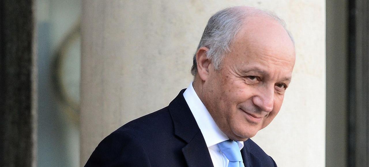 Laurent Fabius sort du Conseil des ministres, le 10 février à l'Élysée.