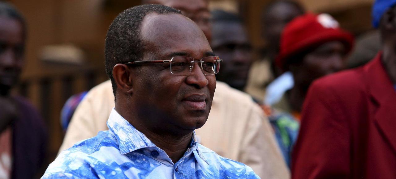Anicet Georges Dologuélé, arrivé en tête avec 23,7% des voix au premier tour, le 25 octobre, mène campagne, jeudi à Bossangoa, pour le second tour qui aura lieu dimanche.