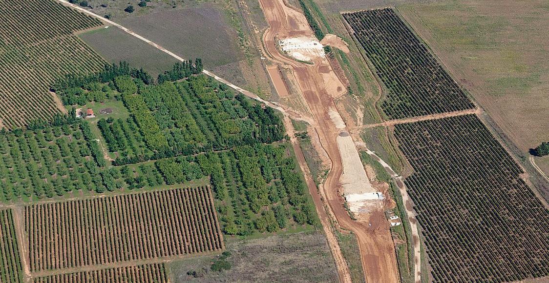 Une vue du chantier du contournement TGV Nîmes-Montpellier.
