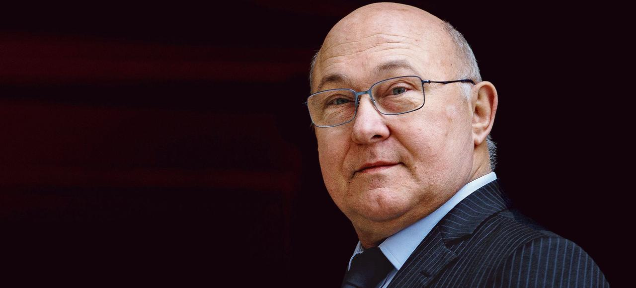 Michel Sapin avait présenté un premier texte sur le sujet en janvier1993.