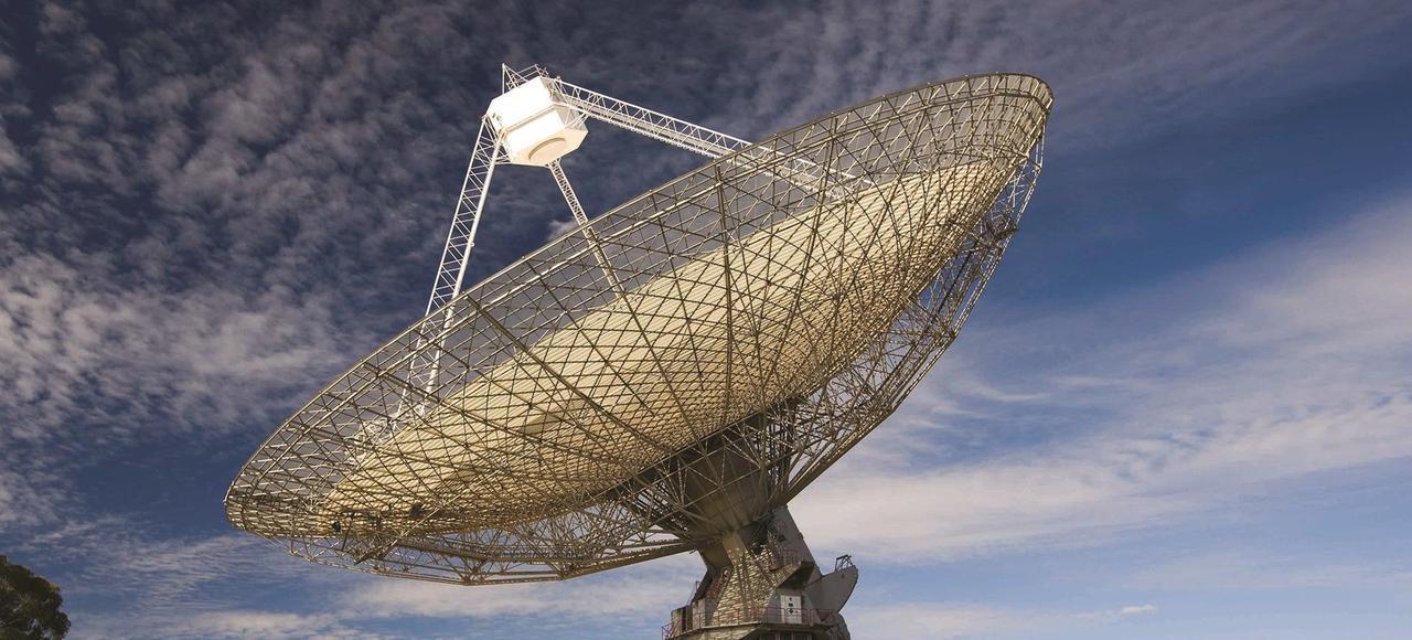 Avec un nouveau sursaut enregistré le 18avril 2015 à Parkes, le 17e dans le monde depuis 2007, le mystère est sur le point d'être résolu, explique une collaboration internationale d'astronomes dans la revue Nature.