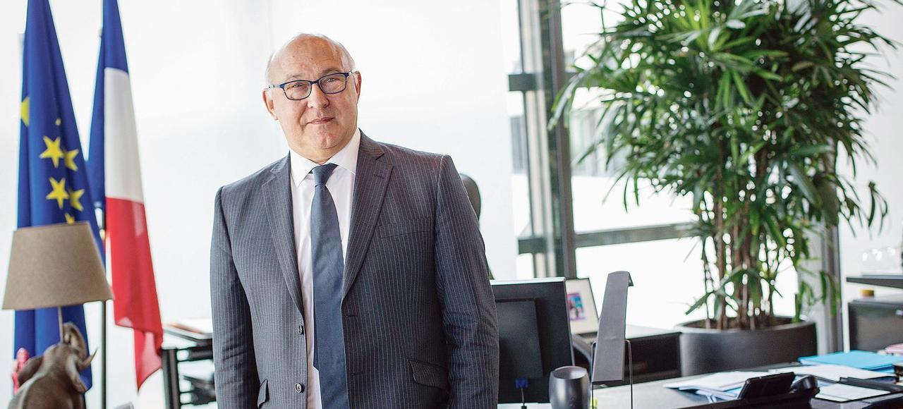 Les chiffres avancés par Michel Sapin, ministre des Finances, sont dérisoires et la fortune offshore de nos exilés fiscaux demeure immuable et se compte en centaines de milliards d'euros.
