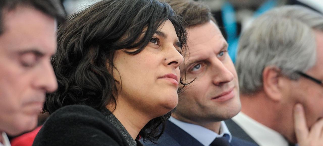 Myriam El Khomri et Emmanuel Macron, le 22 février, à Chalampé, dans l'Est de la France.