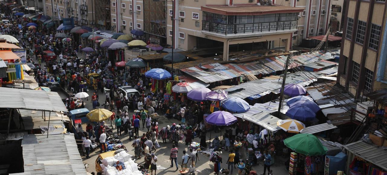 Un marché à Lagos, la capitale économique du Nigeria qui compte plus de 20millions d'habitants.