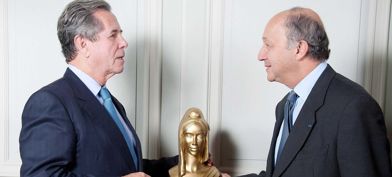 Jean Louis Debré et Laurent Fabius lors des Mariannes d'or au Conseil Constitutionnel, en 2011.