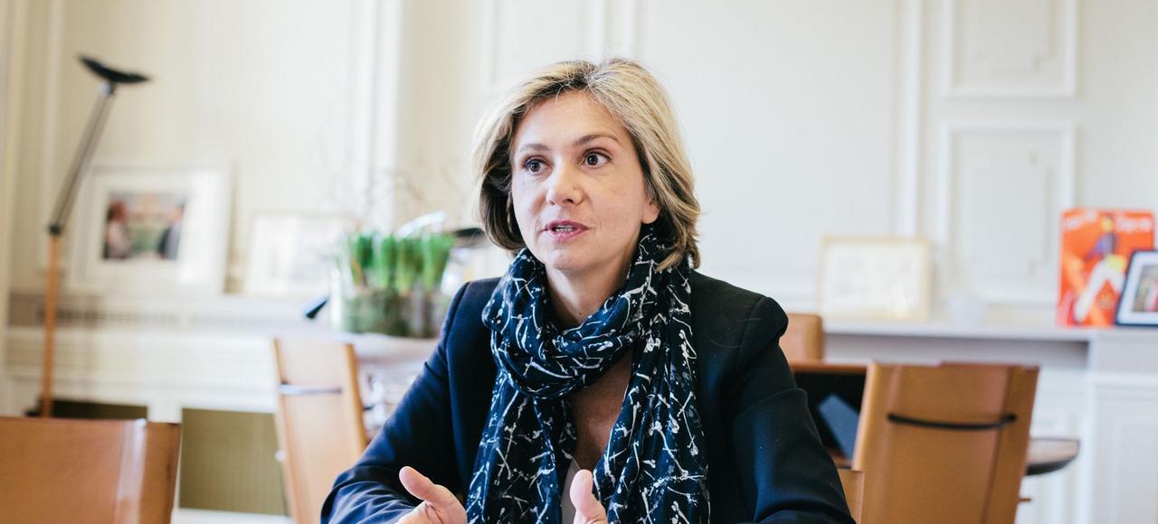 Valérie Pécresse dans son bureau du conseil régional d'Île-de-France, à l'occasion d'un entretien avec <i> Le Figa</i>ro.
