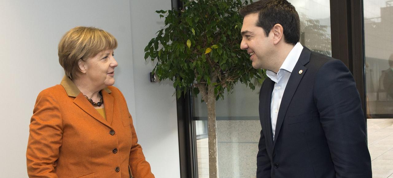Angela Merkel et Alexis Tsipras, lundi à Bruxelles.