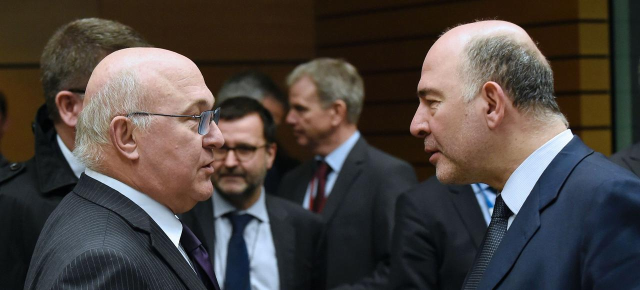 Le ministre français des Finances, Michel Sapin, et le commissaire européen chargé des Affaires économiques, Pierre Moscovici.