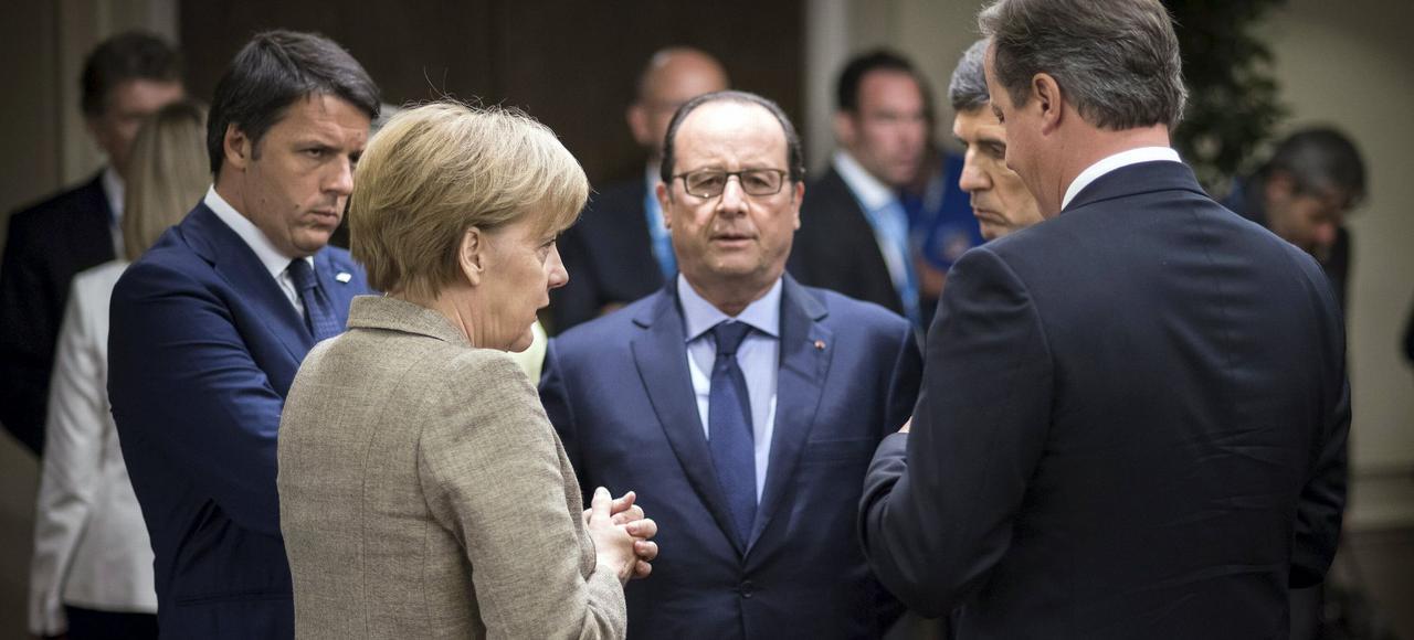 La réunion secrète entre Angela Merkel et le premier ministre turc Ahmet Davutoglu, dimanche soir dans un hôtel bruxellois, pour se mettre d'accord sur un plan présenté lundi devant les Vingt-Huit, a sidéré les diplomates français.