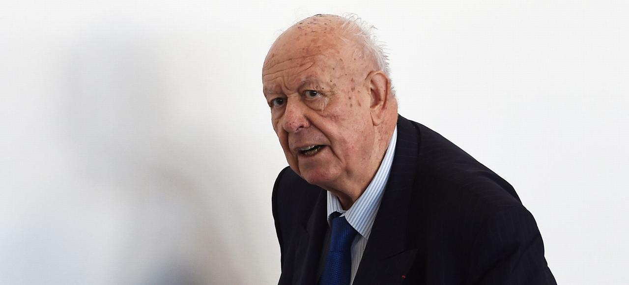 Le 7 mars 2016, pour s'épargner un procès en légitimité à la tête de la métropole Aix-Marseille, Jean-Claude Gaudin a démissionné de son poste de président.