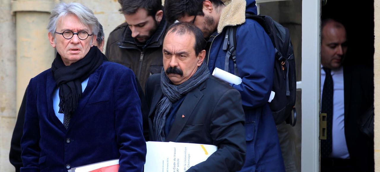 Jean-Claude Mailly, le secrétaire genéral de FO <i>(à gauche)</i> et Philippe Martinez, son homologue de la CGT <i>(ici ensemble à Matignon, lundi),</i> ont été reçus mercredi par les parlementaires socialistes frondeurs.