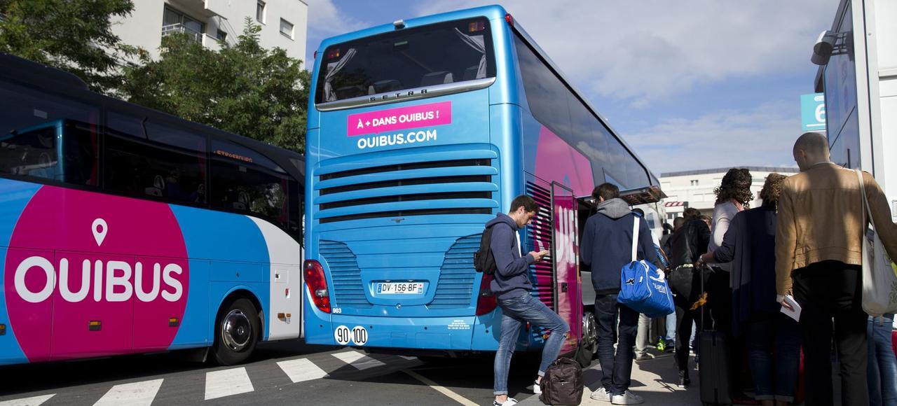 Ouibus à la station Bercy à Paris.