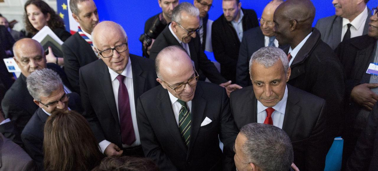 Bernard Cazeneuve, lundi à l'Élysée, avec les membres du Conseil français du culte musulman.