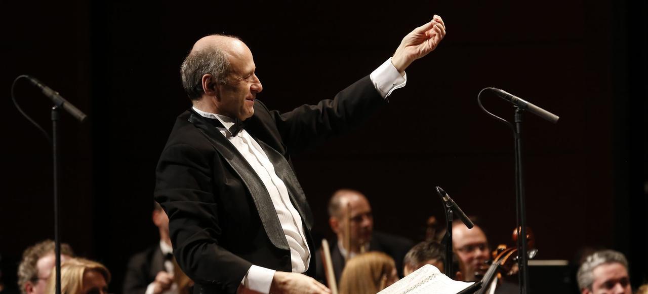 Le chef hongrois Ivan Fischer dirige le Budapest Festival Orchestra, mardi soir, en ouverture du Festival de Pâques d'Aix-en-Provence.