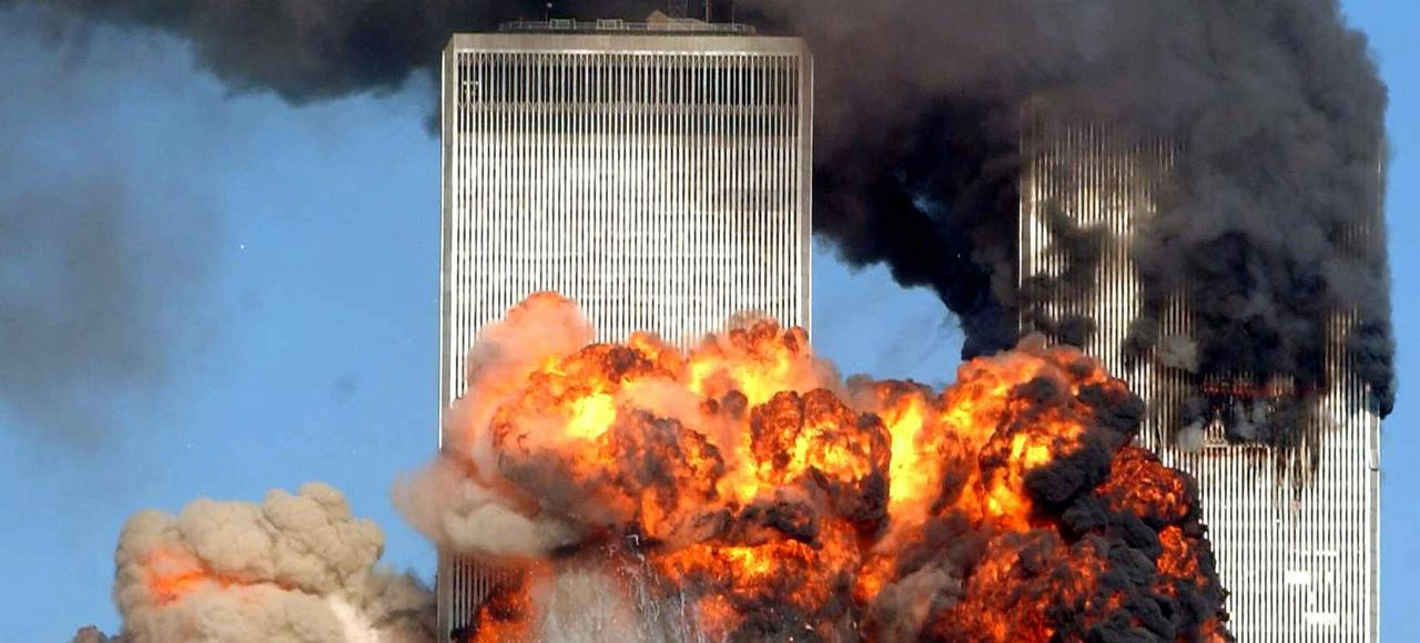 11 septembre 2001, New York.  Plus de 3000 morts au World Trade Center.