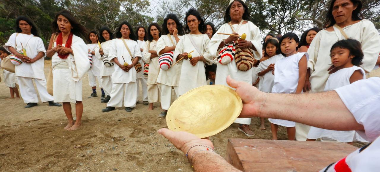 Cinq siècles après le pillage des conquistadors, les derniers Indiens Kogis de la Sierra Nevada, en Colombie, ont retrouvé un trésor qui leur avait été volé.