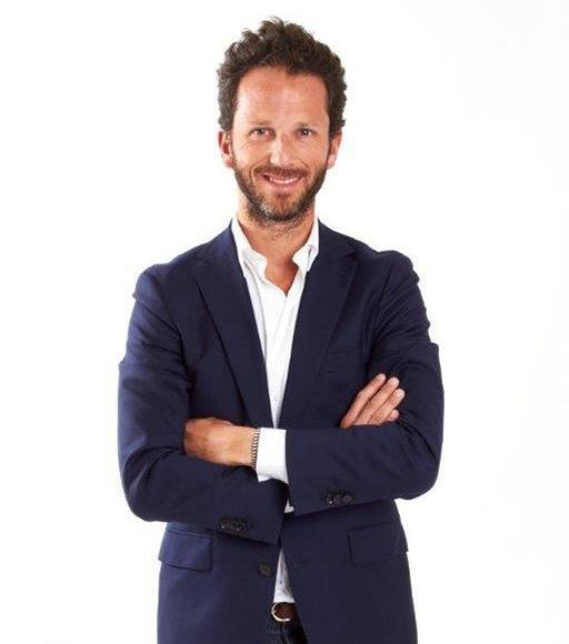«Je suis très admiratif de tous ces jeunes qui ouvrent des restaurants à forte personnalité, souvent l'égal des grands chefs, au prix d'un travail colossal, de beaucoup de bon goût et d'une forte prise de risque.», confie Laurent Milchior, gérant du groupe Etam.