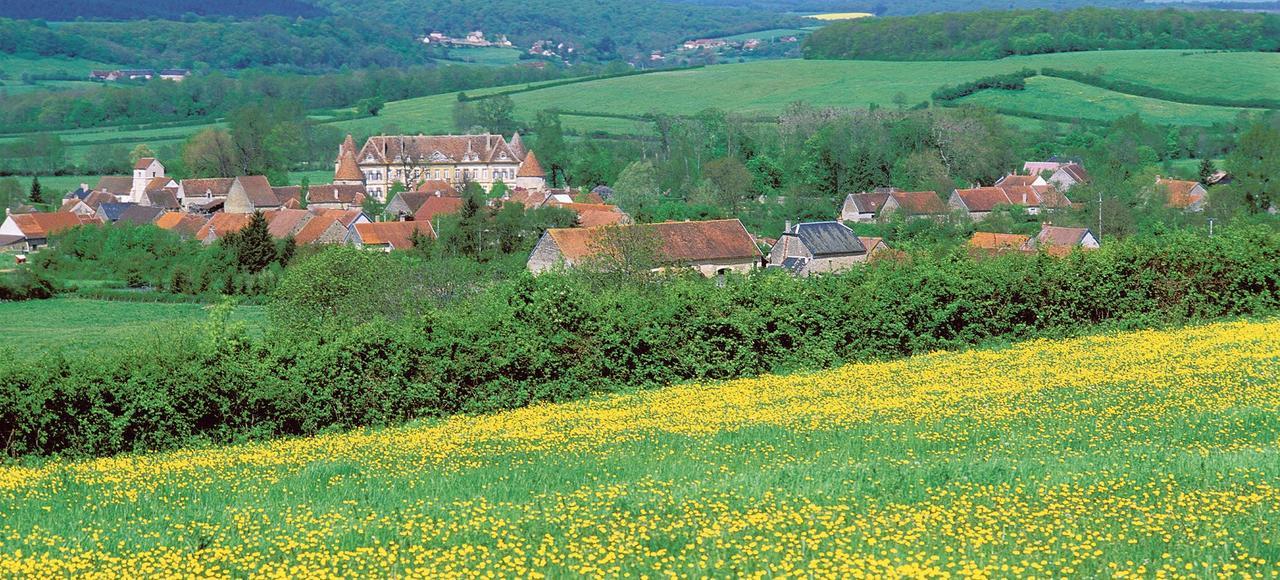 Le village de Missery en Bourgogne. Un projet prévoit l'installation de huit éoliennes de 150 mètres de haut et d'une puissance de 3,2 mégawatts chacune sur un site empiétant sur deux autres communes: Fontangy et Noidan.
