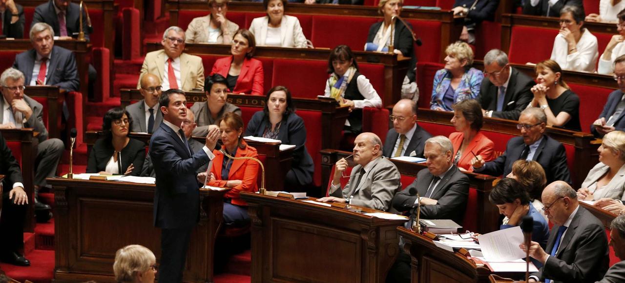 Le premier ministre Manuel Valls s'adressant aux députés, mercredi.
