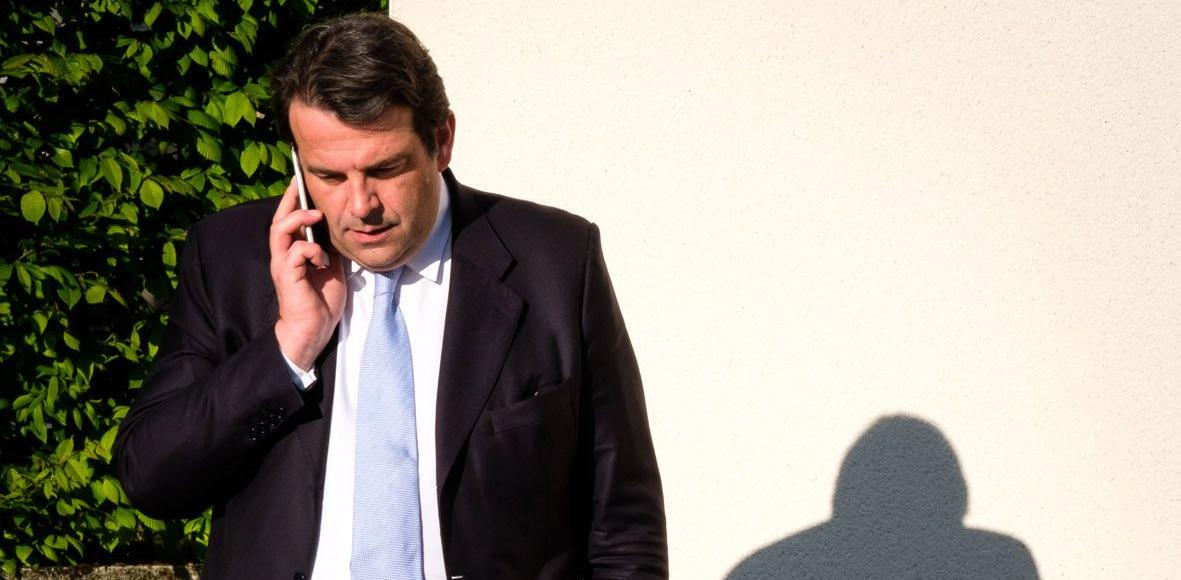 Le député LR Thierry Solère, qui préside la commission d'organisation de la primaire, a fait valoir les nombreux obstacles administratifs rencontrés pour installer des urnes dans les écoles à l'étranger.