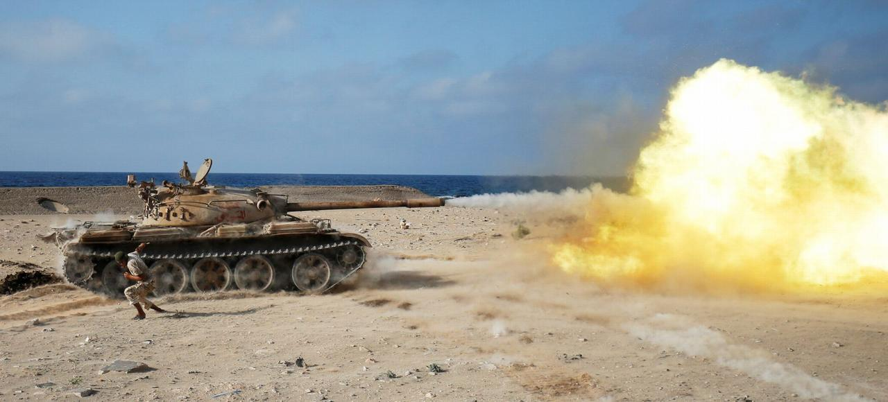 Profitant de l'appui des frappes aériennes américaines, les milices libyennes fidèles au GNA ont repris l'offensive contre les combattants de Daech retranchés dans Syrte.