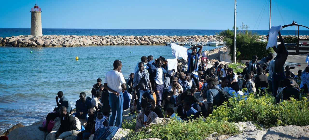 200 migrants ont été arrêtés vendredi à Menton après avoir forcé la frontière franco-italienne.
