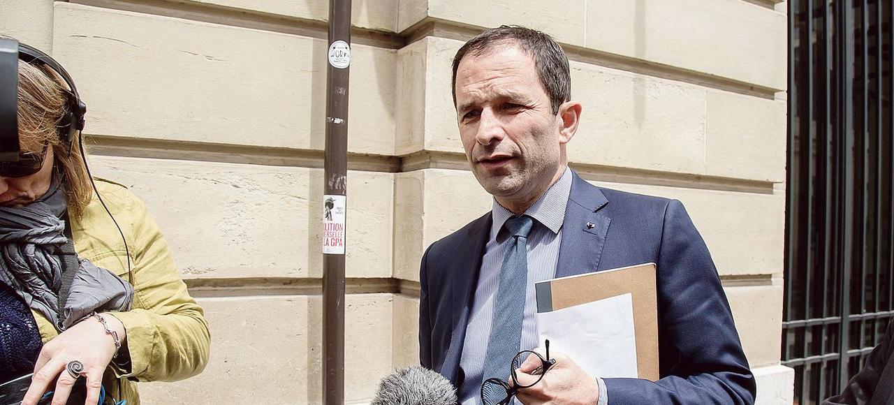 Benoît Hamon (ici arrivant au conseil national du PS le 18 juin) est le premier à faire une déclaration de candidature, ou du moins à présenter sa «forte disponibilité».