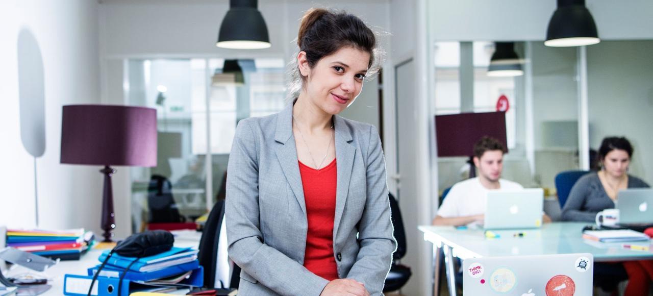 Julie Coudry dans les locaux de la société Jobmaker, qu'elle a créée il y a deux ans. L'ex-meneuse de la fronde contre le CPE veut réinventer la gestion de nos carrières, humaniser la mobilité, profiter de la révolution robotique…