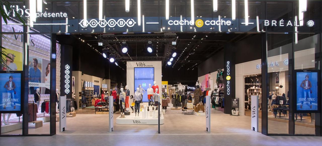 Afin de résister à la chute des ventes d'habillement en France, le groupe Beaumanoir ouvre de nouveaux mégastores qui regroupent ses trois marques phares.