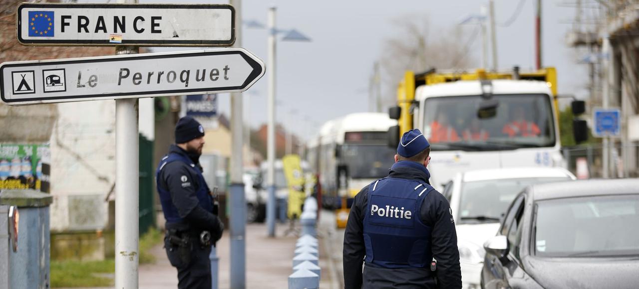 Des renforts policiers sont prévus dès samedi à la frontière..