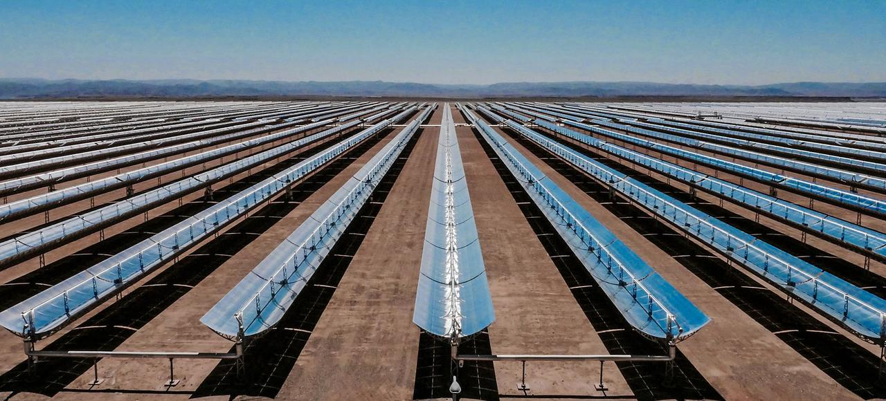 Les centaines de milliers de miroirs incurvés de la centrale solaire «Noor o 1», à Ouarzazate, produisent déjà 160 mégawatts d'électricité.