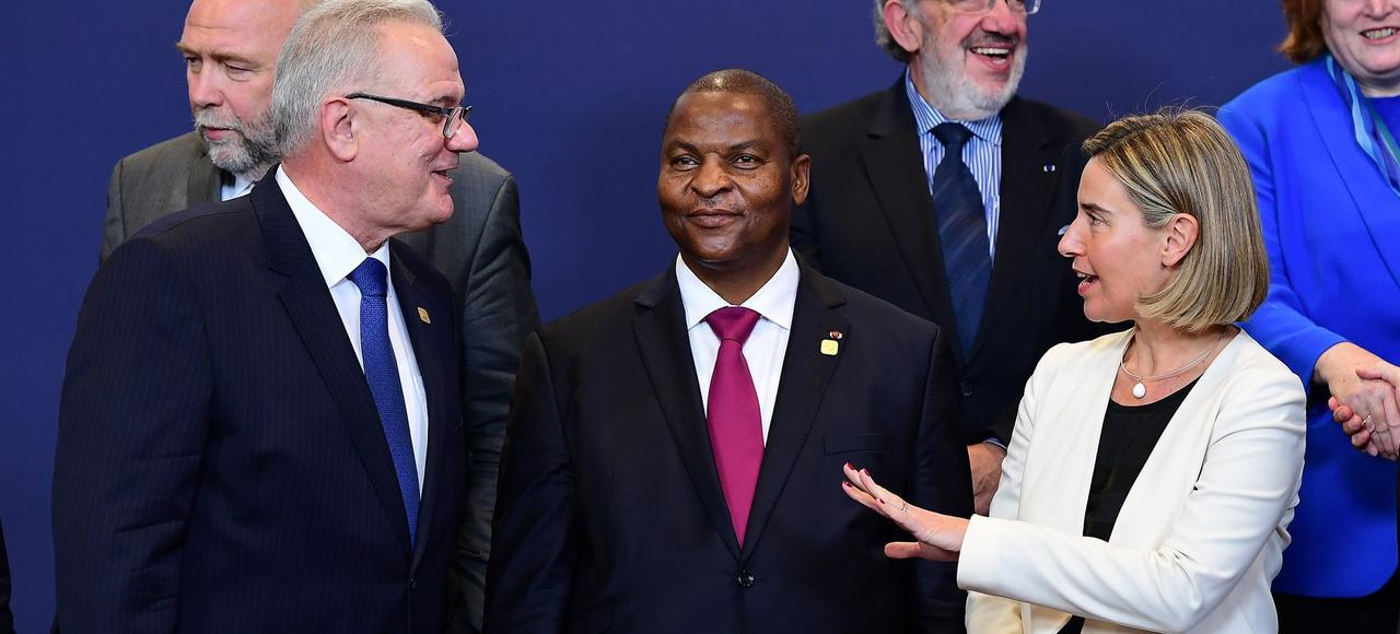 Faustin-Archange Touadéra, le président de la Centrafrique, a obtenu un un versement de 2,2 milliards de dollars sur trois ans de la part des donateurs internationaux à l'issue du conférence organisée à Bruxelles, ce vendredi.