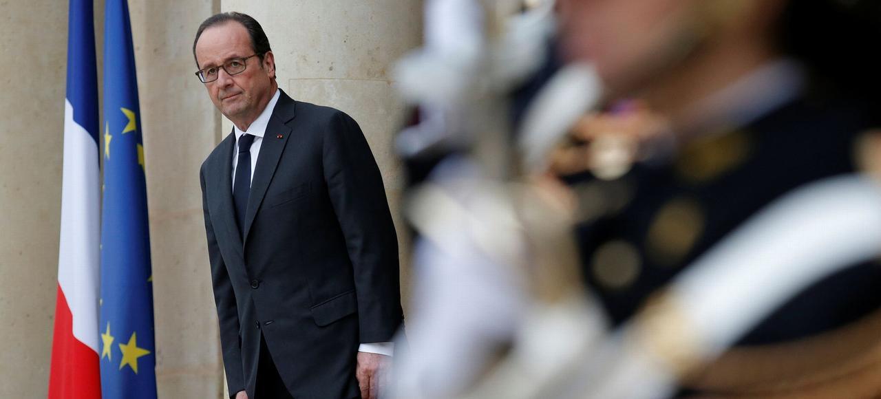 François Hollande, qui a suivi avec attention la soirée électorale dimanche dernier, se félicite de ne pas avoir dévoilé ses intentions plus tôt.