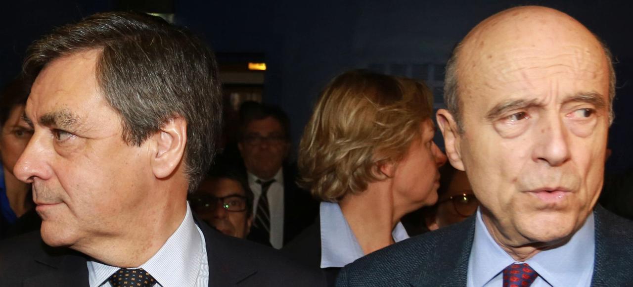 Fançois Fillon et Alain Juppé lors d'un meeting LR à Pessac (Gironde), en mars 2015.