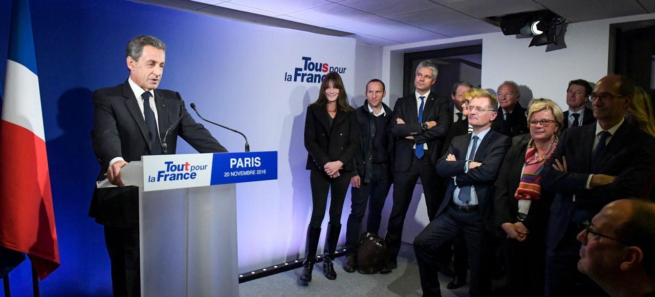 Paris, 20novembre 2016, battu à la primaire, Nicolas Sarkozy quitte la vie politique pour se consacrer à sa famille.