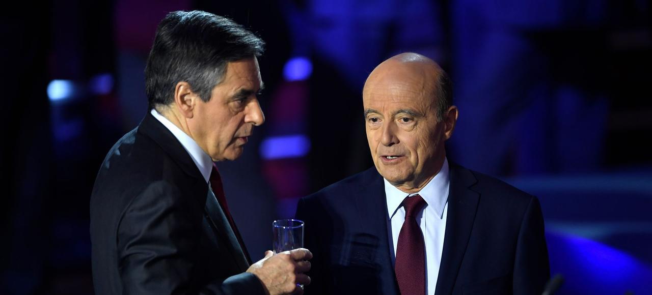François Fillon et Alain Juppé, le 3novembre, lors du deuxième débat télévisé du premier tour de la primaire.