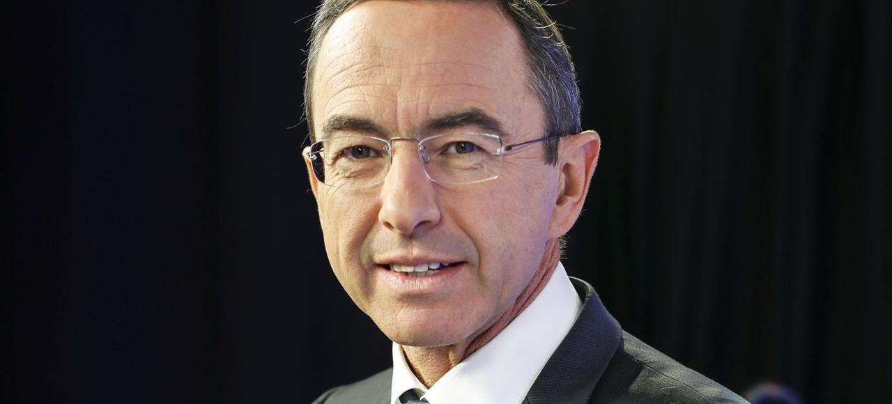 Bruno Retailleau est sénateur de la Vendée, président du groupe Les Républicains du Sénat et président du conseil régional des Pays de la Loire.