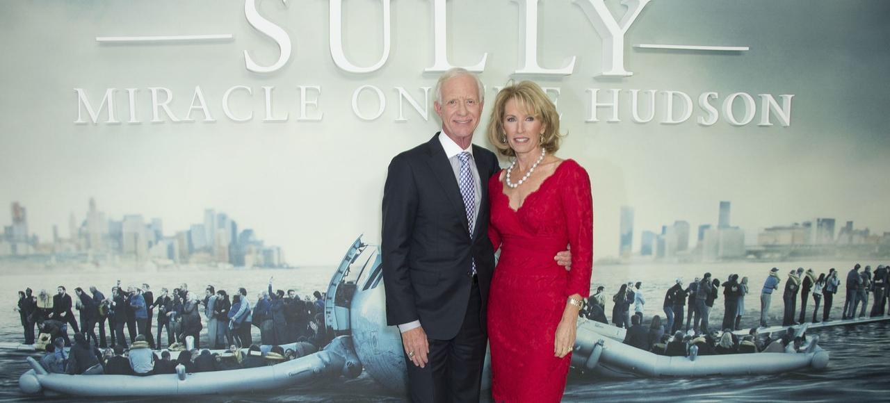 Chesley Sullenberger et son épouse, Lorraine Sullenberger.