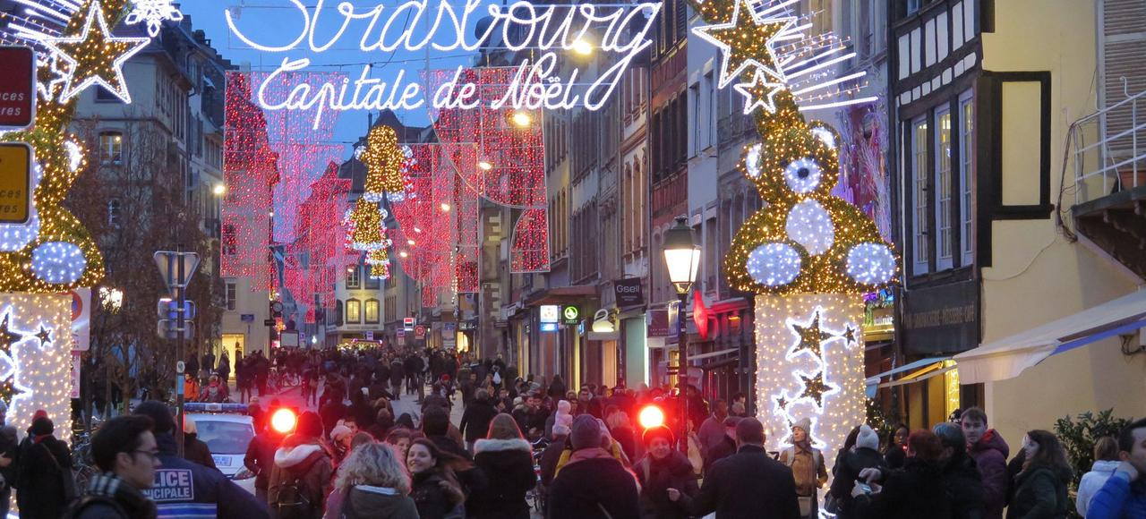 Le marché de Noël à Strasbourg. L'mplication citoyenne est rendue incontournable par la persistance d'une menace terroriste élevée au cours des mois à venir.