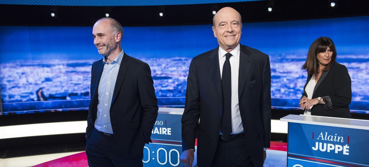 Gilles Boyer et Alain Juppé sur le plateau de TF1, lors du premier débat de la primaire, le 13 octobre.