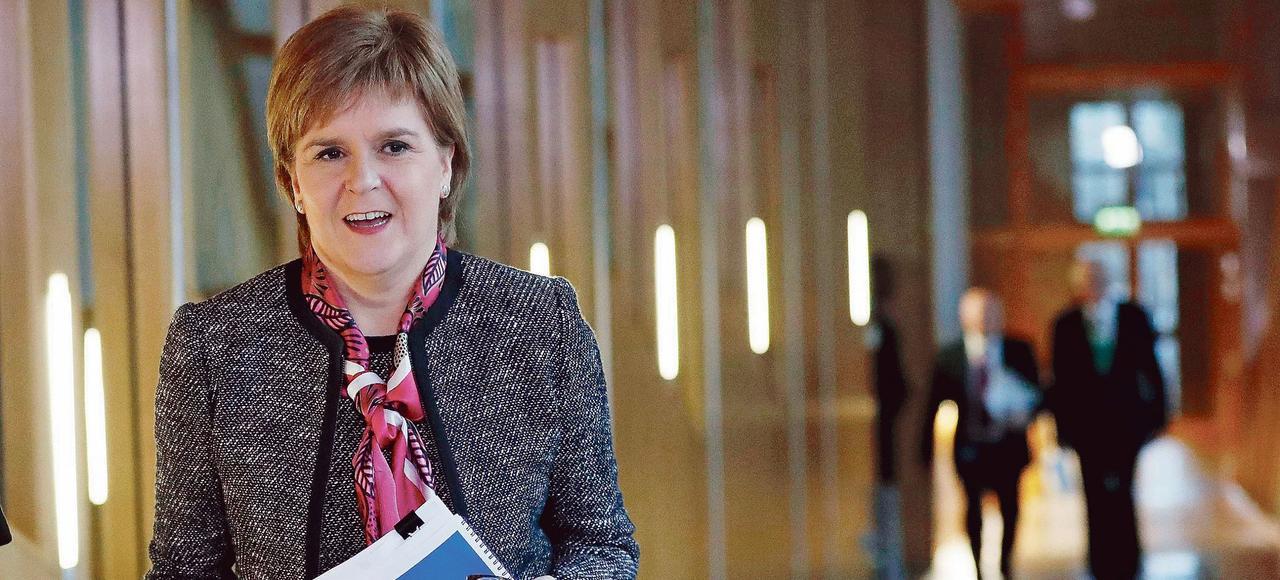 La première ministre, Nicola Sturgeon, au Parlement à Édimbourg mardi.