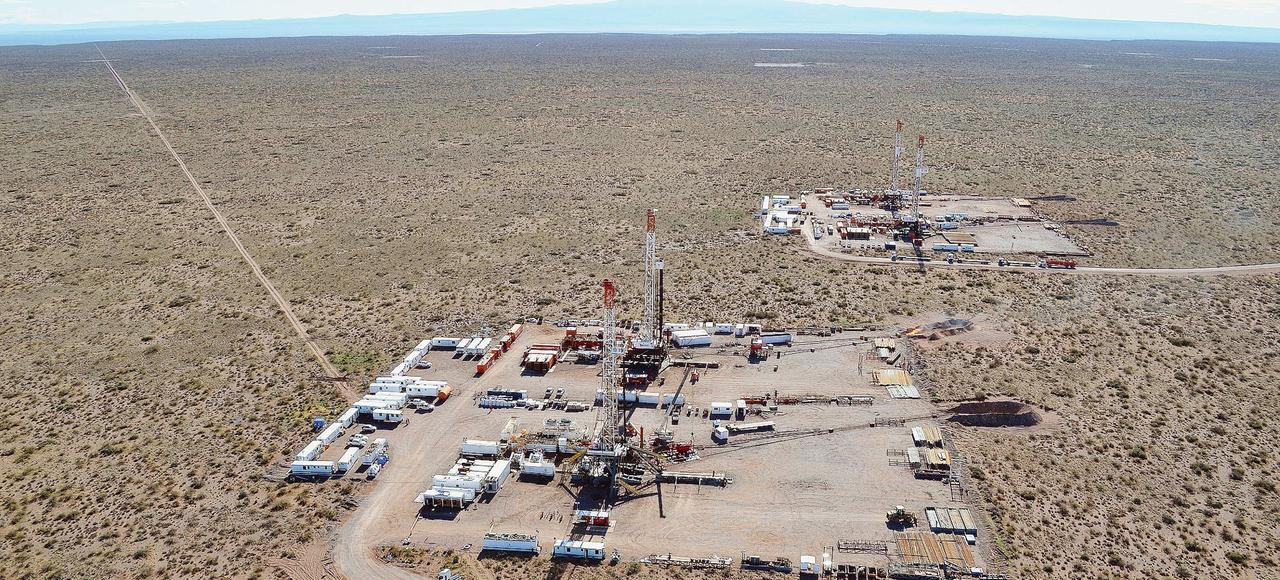 La plateforme de forage de pétrole de schiste deVaca Muerta («vache morte» en espagnol), dans la province de Neuquen, en Argentine